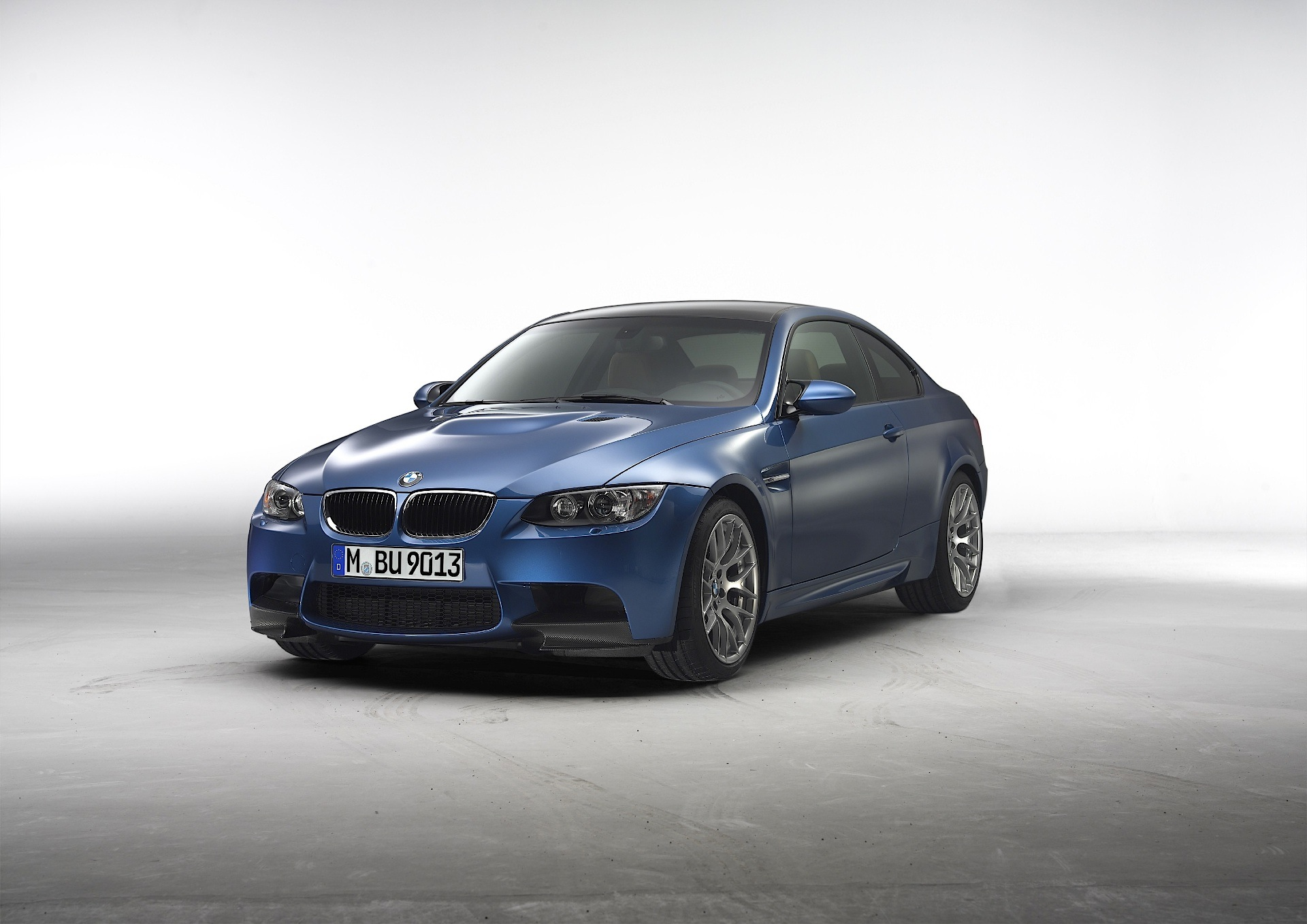 what to look for when buying a used e92 m3 autoevolution. Black Bedroom Furniture Sets. Home Design Ideas