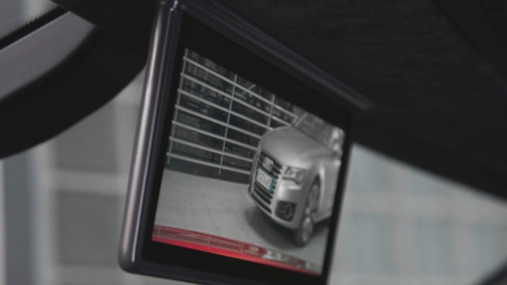 What's Behind an Audi: Digital Rear-View Mirror