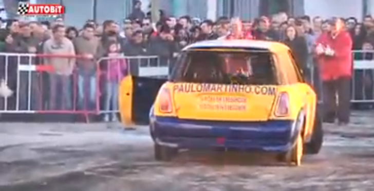 Wheelless MINI Shows You what FWD Drifting Means [Video]