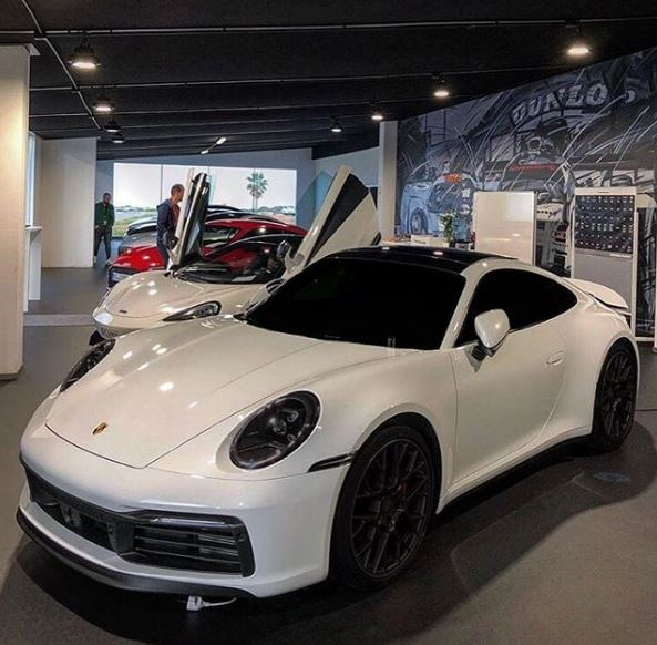 Panda-Spec 2020 Porsche 911 Looks Cute