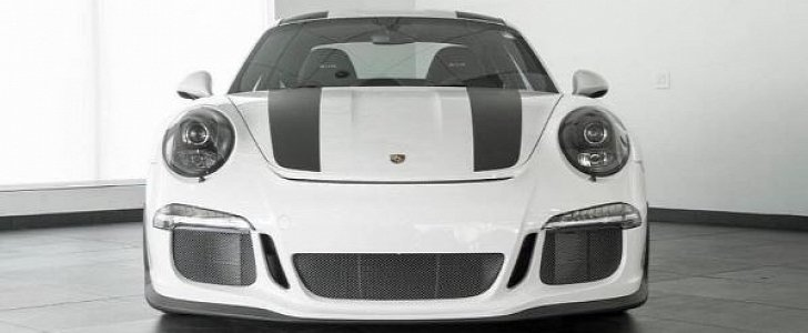 White Porsche 911 R With Black Stripes Shows Up For Grabs