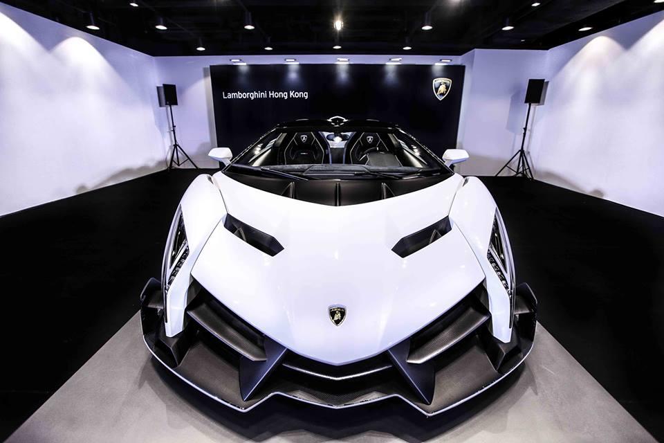 White Veneno Roadster Delivered To Lamborghini Hong Kong Autoevolution
