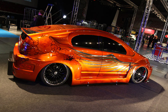 Why Japan Loves Custom Prii And Bosozoku Rides Autoevolution