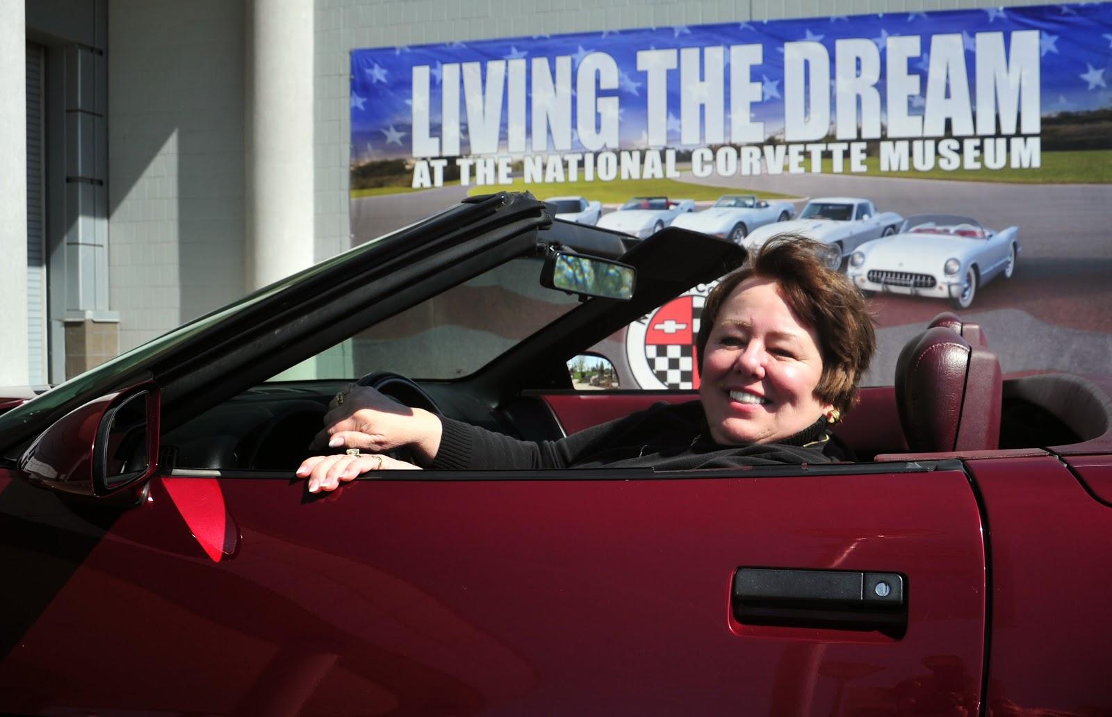 National Corvette Museum >> Woman Donates 40th Anniversary Corvette To The National