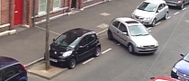 Woman Takes 30 Minutes to Parallel Park a Corsa [Video]