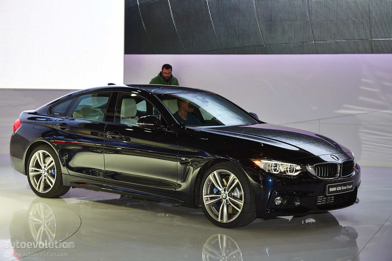 world debut bmw 4 series gran coupe unveiled in geneva. Black Bedroom Furniture Sets. Home Design Ideas