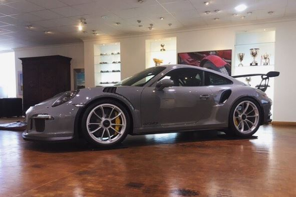World 39 s only nardo grey porsche 911 gt3 rs looks like an for Nardo grey paint cost