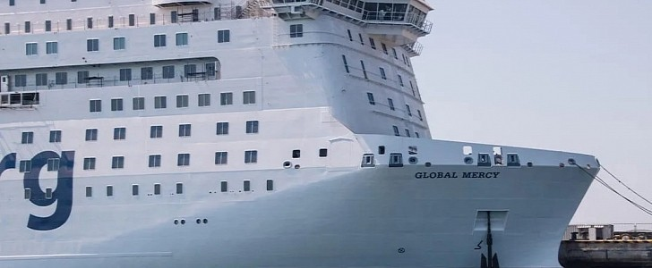 World's Largest Charity Hospital Ship Is Ready to Start Its Life-Saving Missions - autoevolution