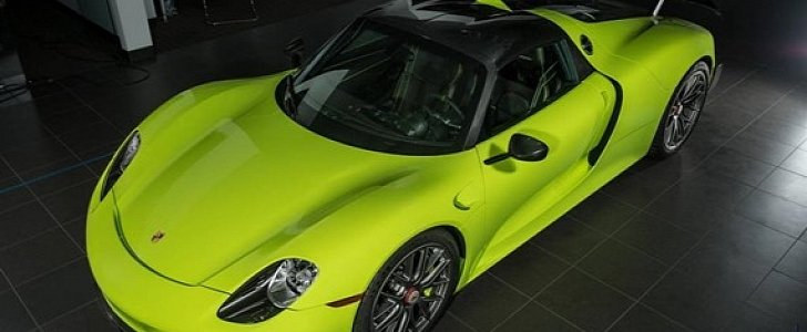 would you pay 2 9 million for this acid green porsche 918 spyder autoevolution. Black Bedroom Furniture Sets. Home Design Ideas