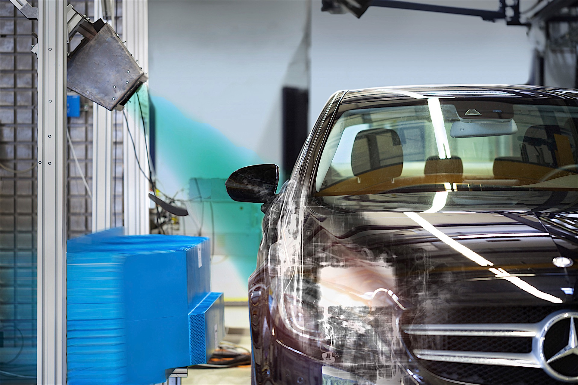 Mercedes cars drive Daimler's surging profit