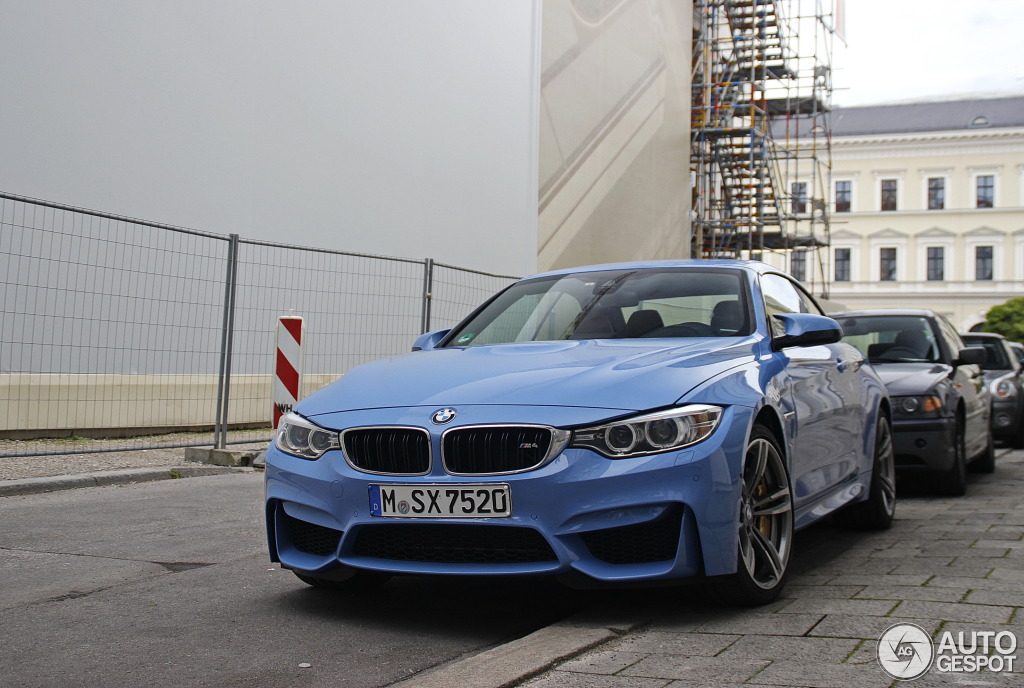 Yas marina blue bmw m4 convertible spotted for the first for Newspaper wallpaper for sale