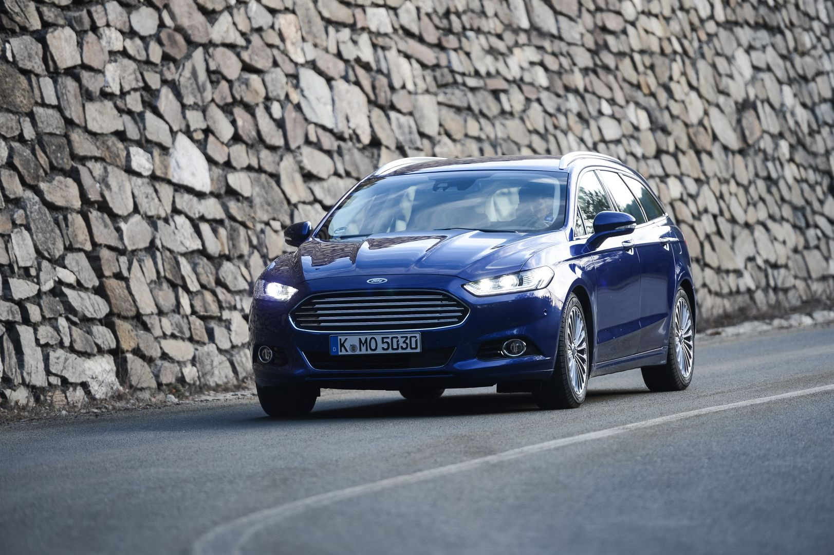 your 2015 ford mondeo hd wallpapers are served autoevolution. Black Bedroom Furniture Sets. Home Design Ideas