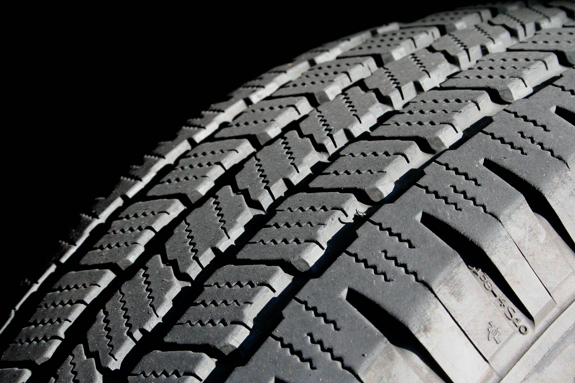 your guide to tires what kind should you get for your car autoevolution. Black Bedroom Furniture Sets. Home Design Ideas