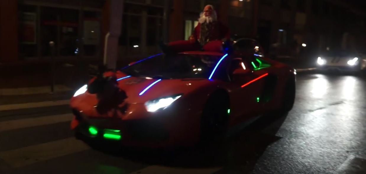 YouTuber Dresses Up His Lamborghini Aventador As Fire Spitting Santa Sleigh