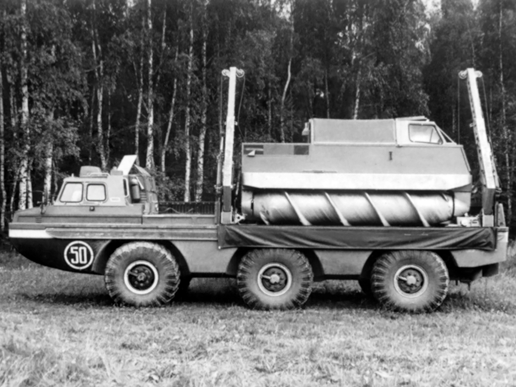 ZIL Amphibious Screw Vehicles a Cool Soviet Era Invention