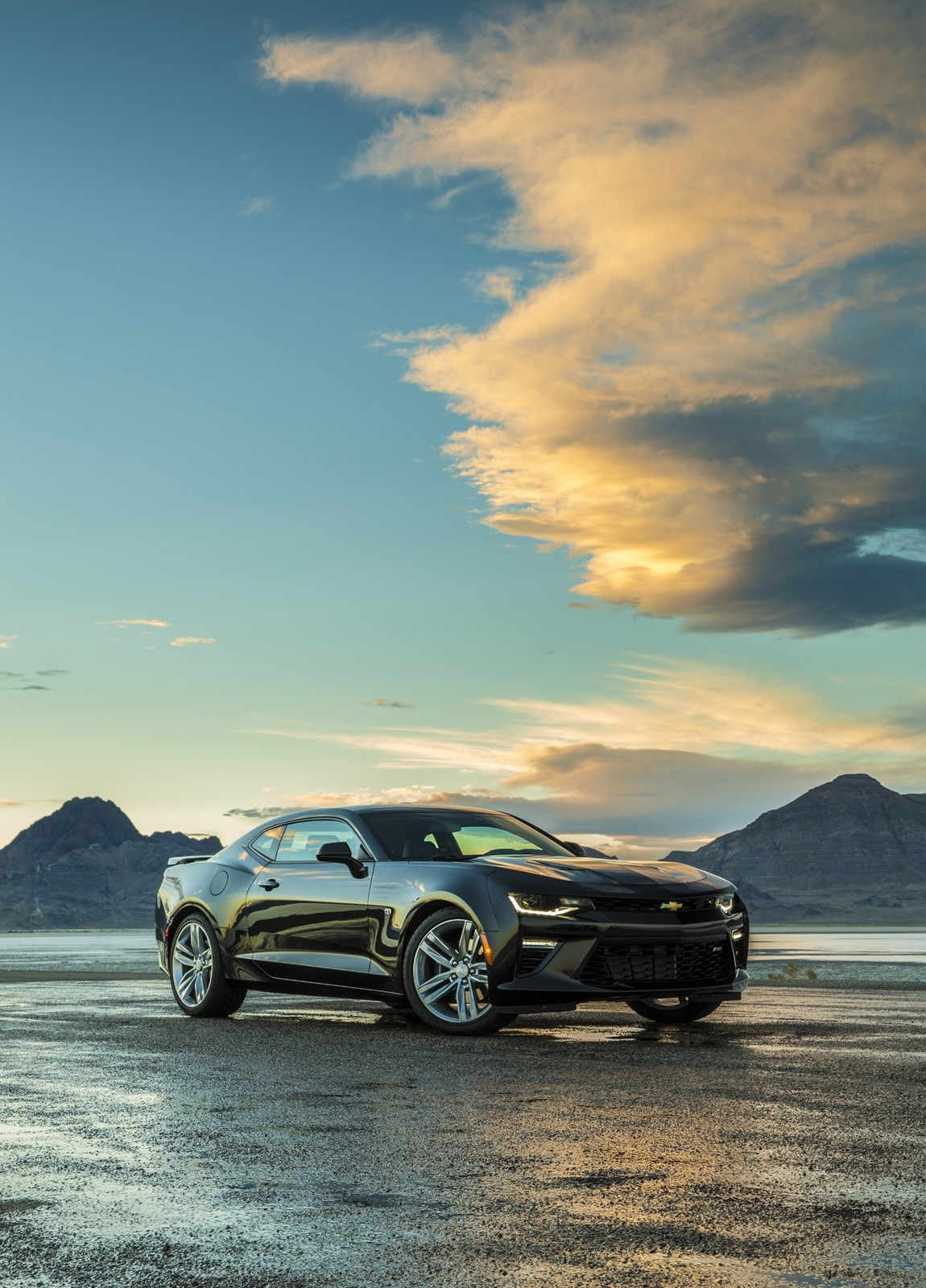 2016 chevrolet camaro review autoevolution. Black Bedroom Furniture Sets. Home Design Ideas