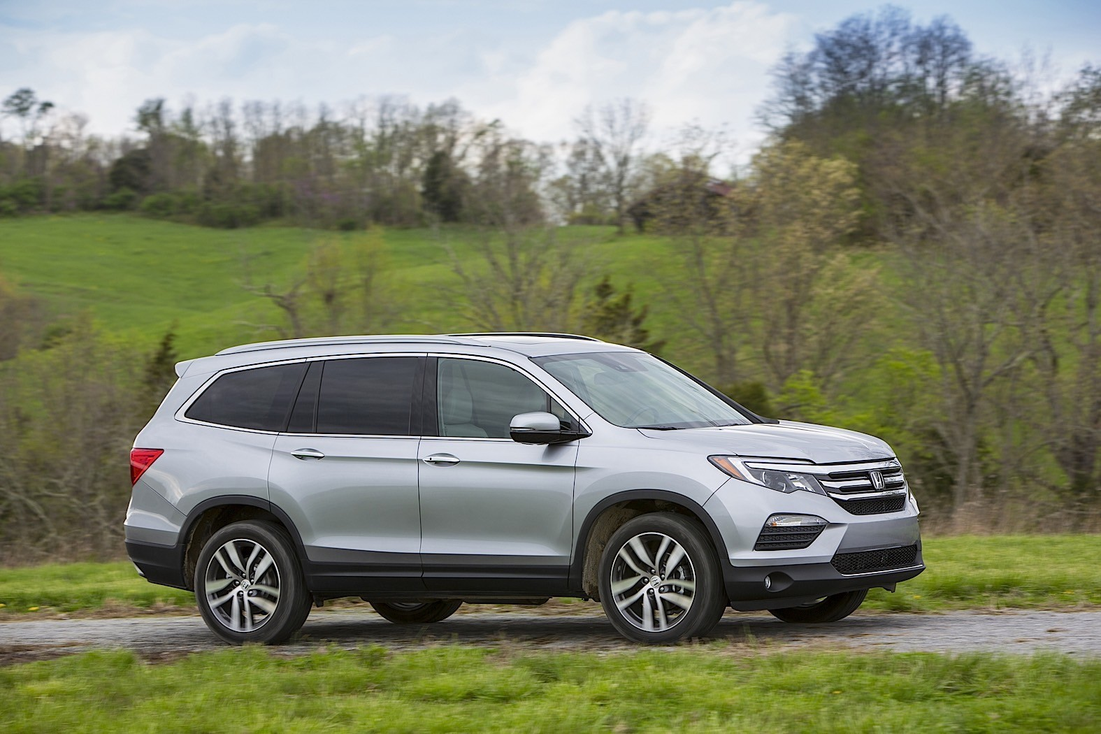 2016 honda pilot review autoevolution. Black Bedroom Furniture Sets. Home Design Ideas