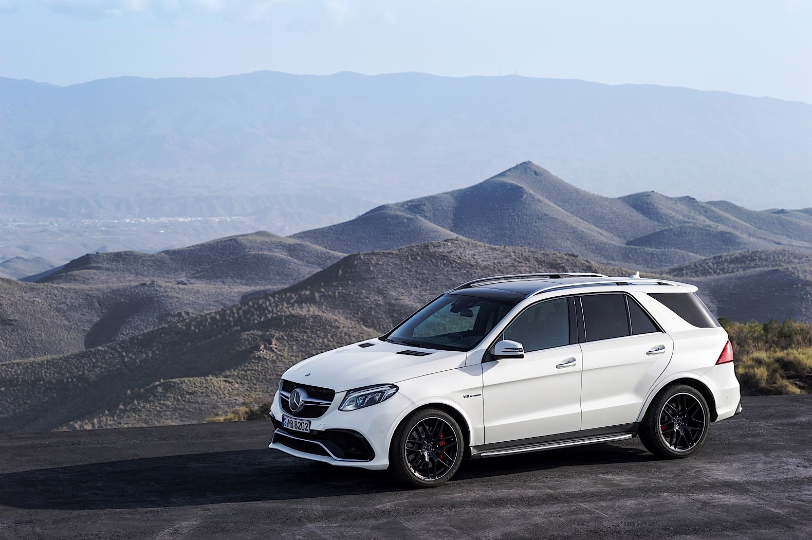 2016 mercedes benz gle review autoevolution. Black Bedroom Furniture Sets. Home Design Ideas