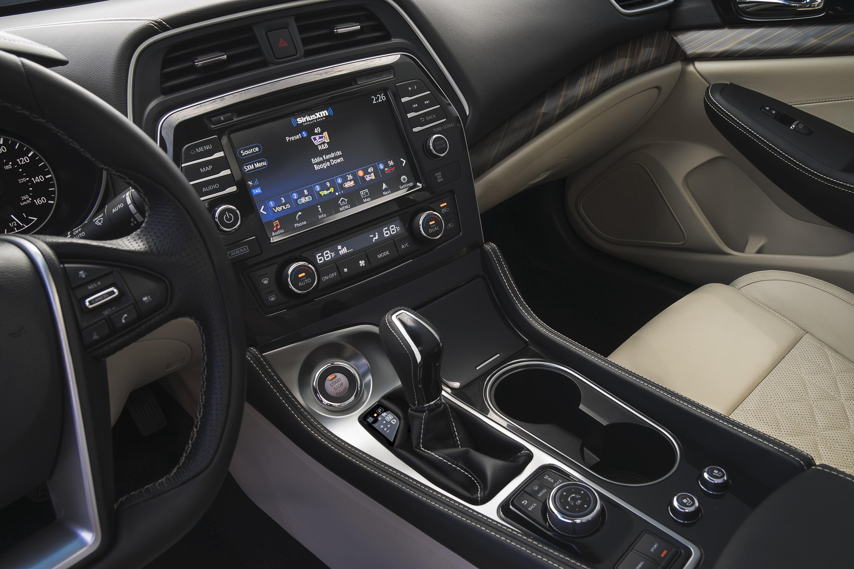 2016 Maxima Interior >> 2016 Nissan Maxima Review Autoevolution