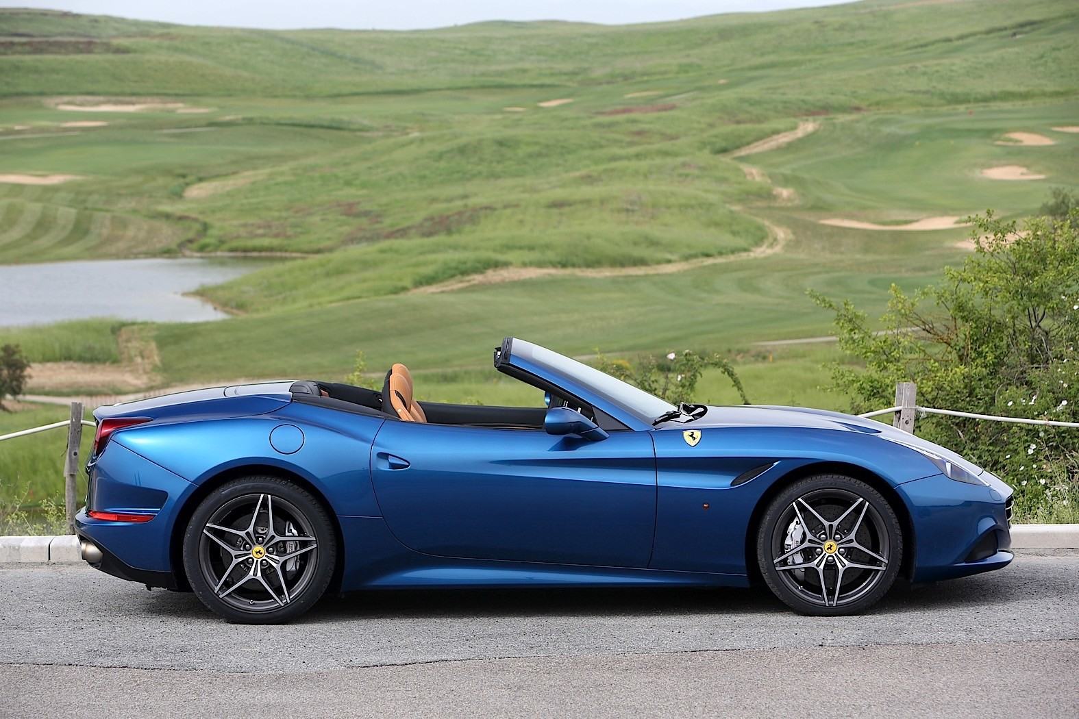 2017 Ferrari California T Review Autoevolution