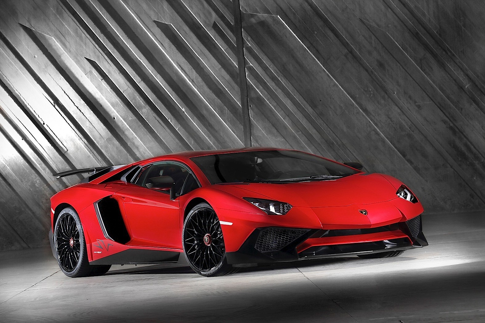 2017 Lamborghini Aventador Lp 750 4 Superveloce Review Autoevolution