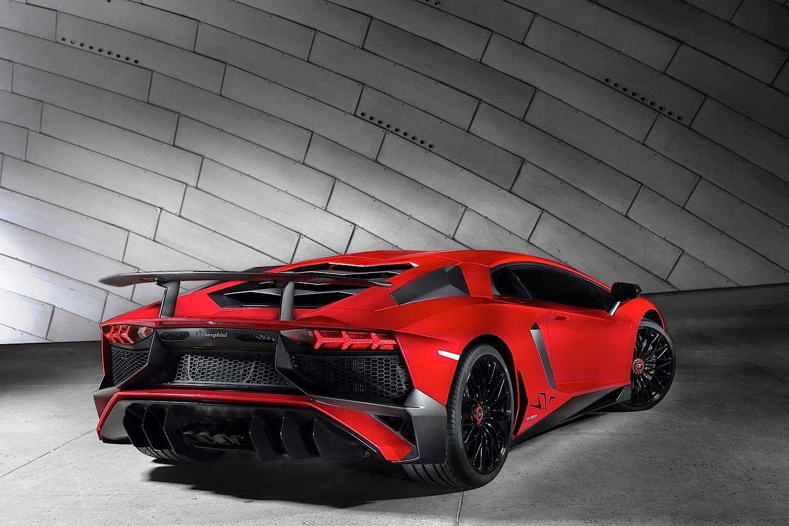 2017 Lamborghini Aventador LP 750-4 Superveloce Review ...