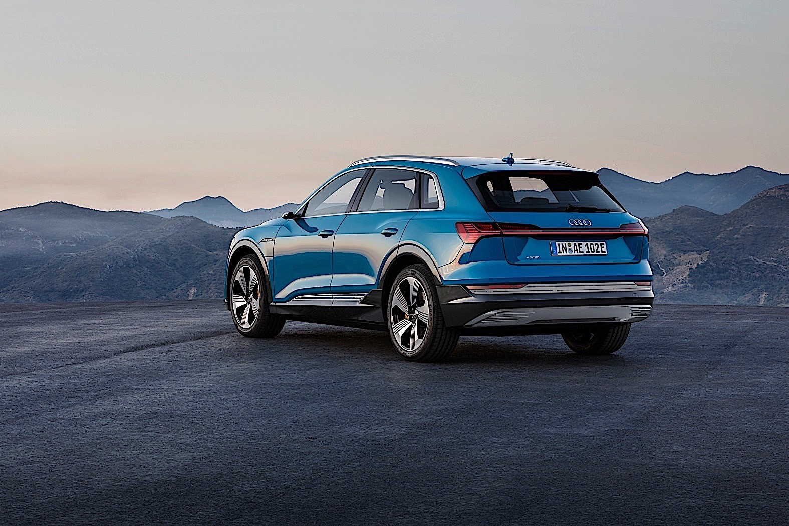Q7 Review >> 2019 Audi e-tron Review - autoevolution