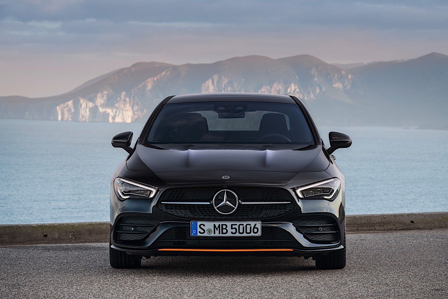2020 mercedes benz cla review autoevolution. Black Bedroom Furniture Sets. Home Design Ideas