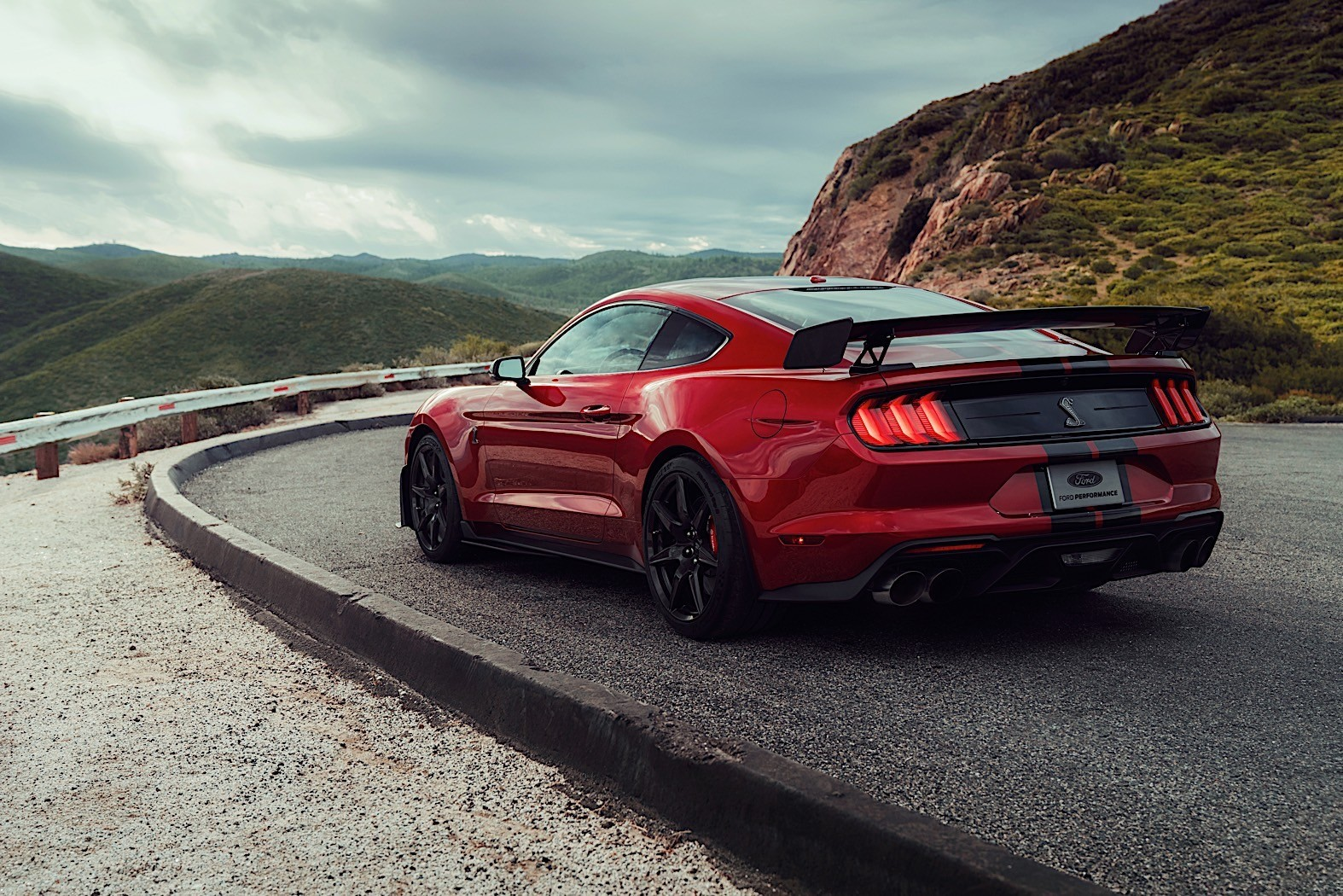 2020 mustang shelby gt500 review autoevolution. Black Bedroom Furniture Sets. Home Design Ideas