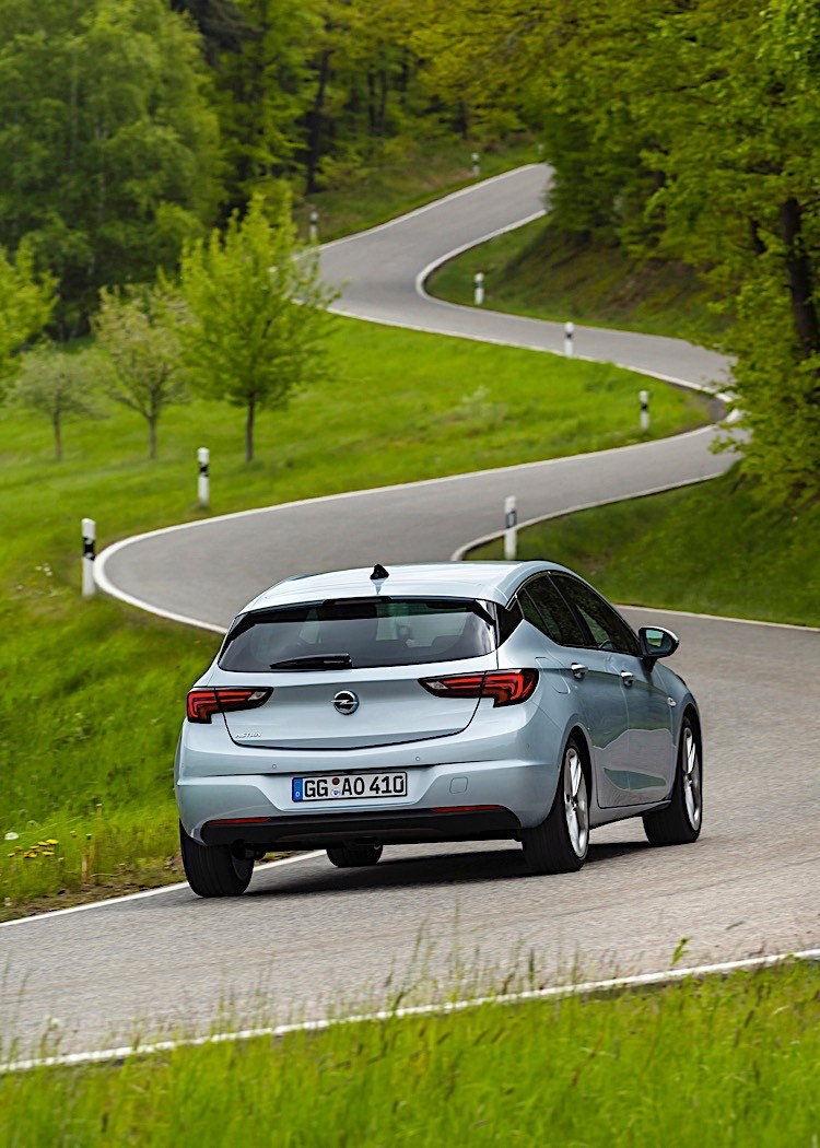 2020 Opel Astra Review - autoevolution