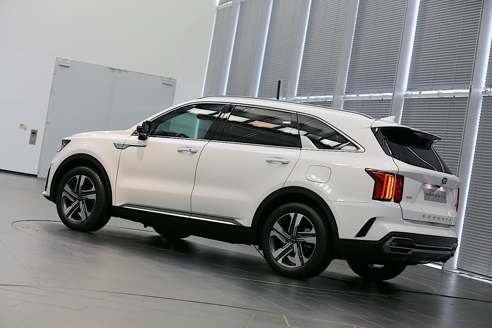 2021 Kia Sorento Review - autoevolution