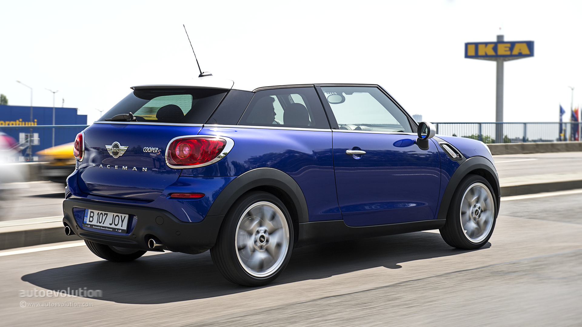 mini paceman cooper s review autoevolution. Black Bedroom Furniture Sets. Home Design Ideas