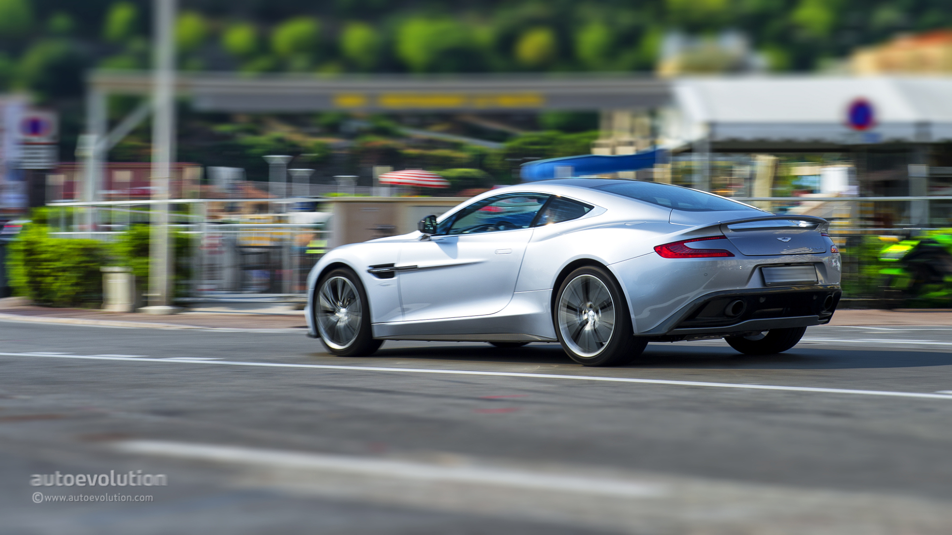 2014 ASTON MARTIN Vanquish Review autoevolution