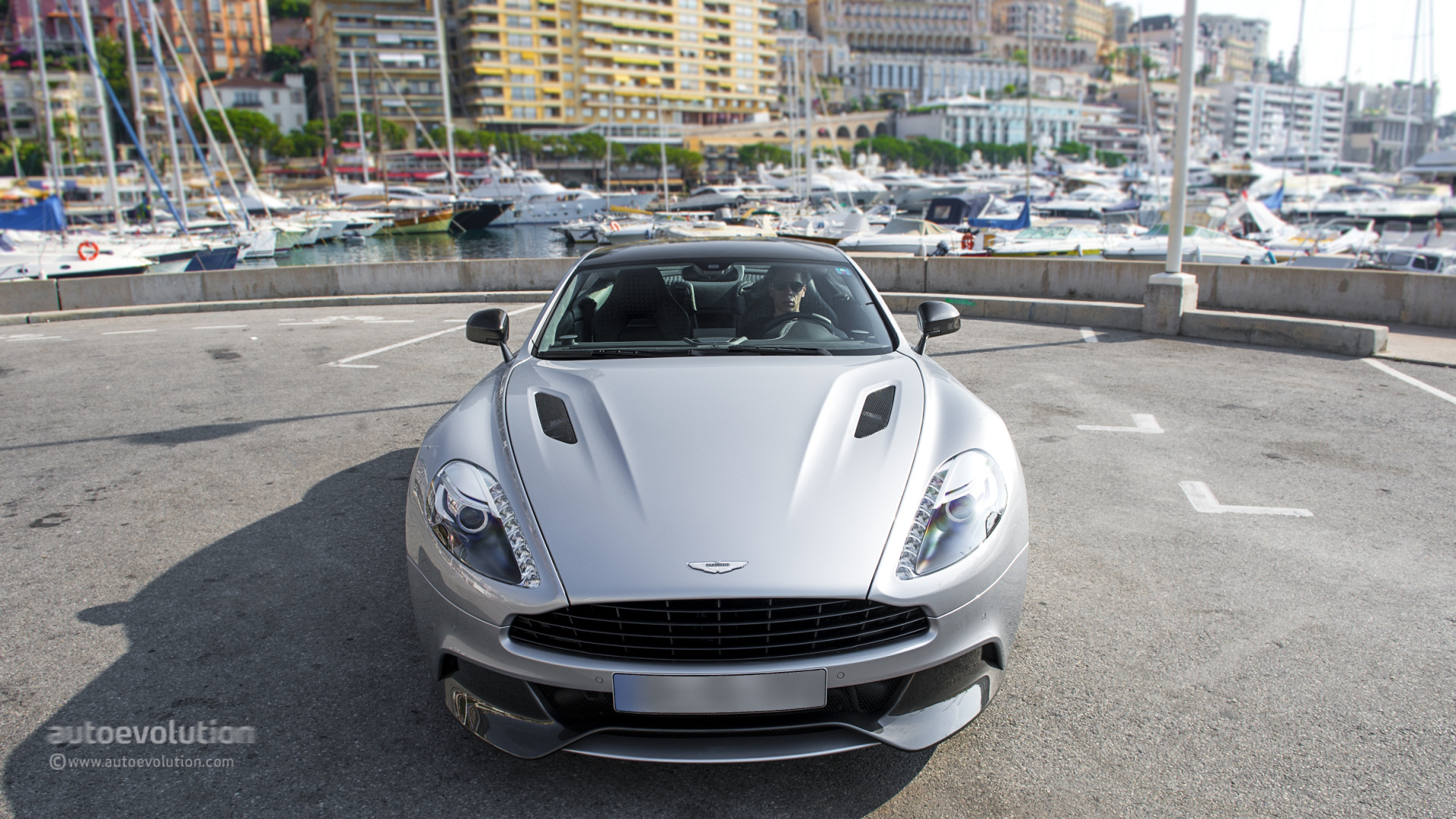 2014 ASTON MARTIN Vanquish Review Page 2 autoevolution