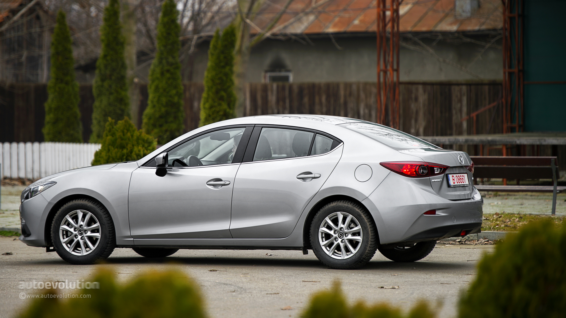 2014 mazda3 sedan review page 2 autoevolution. Black Bedroom Furniture Sets. Home Design Ideas