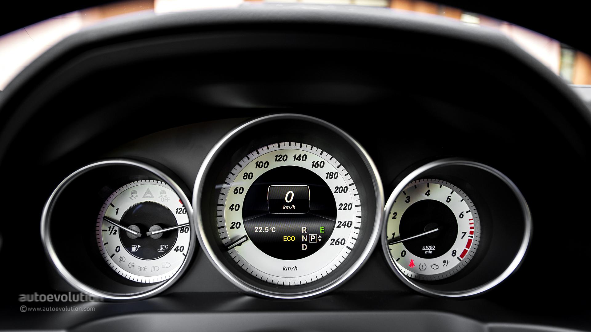 Mercedes e class dashboard warning lights fiat world for Mercedes benz indicator lights
