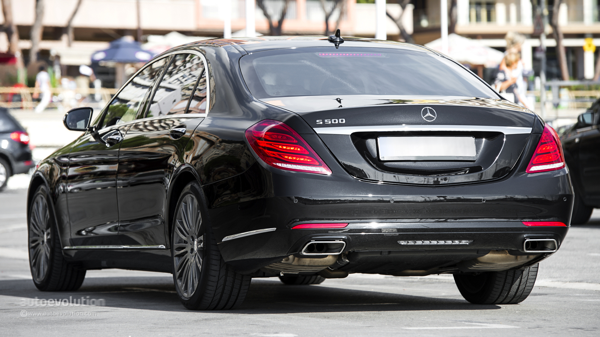 2014 mercedes benz s500 long review autoevolution for Mercedes benz 2014