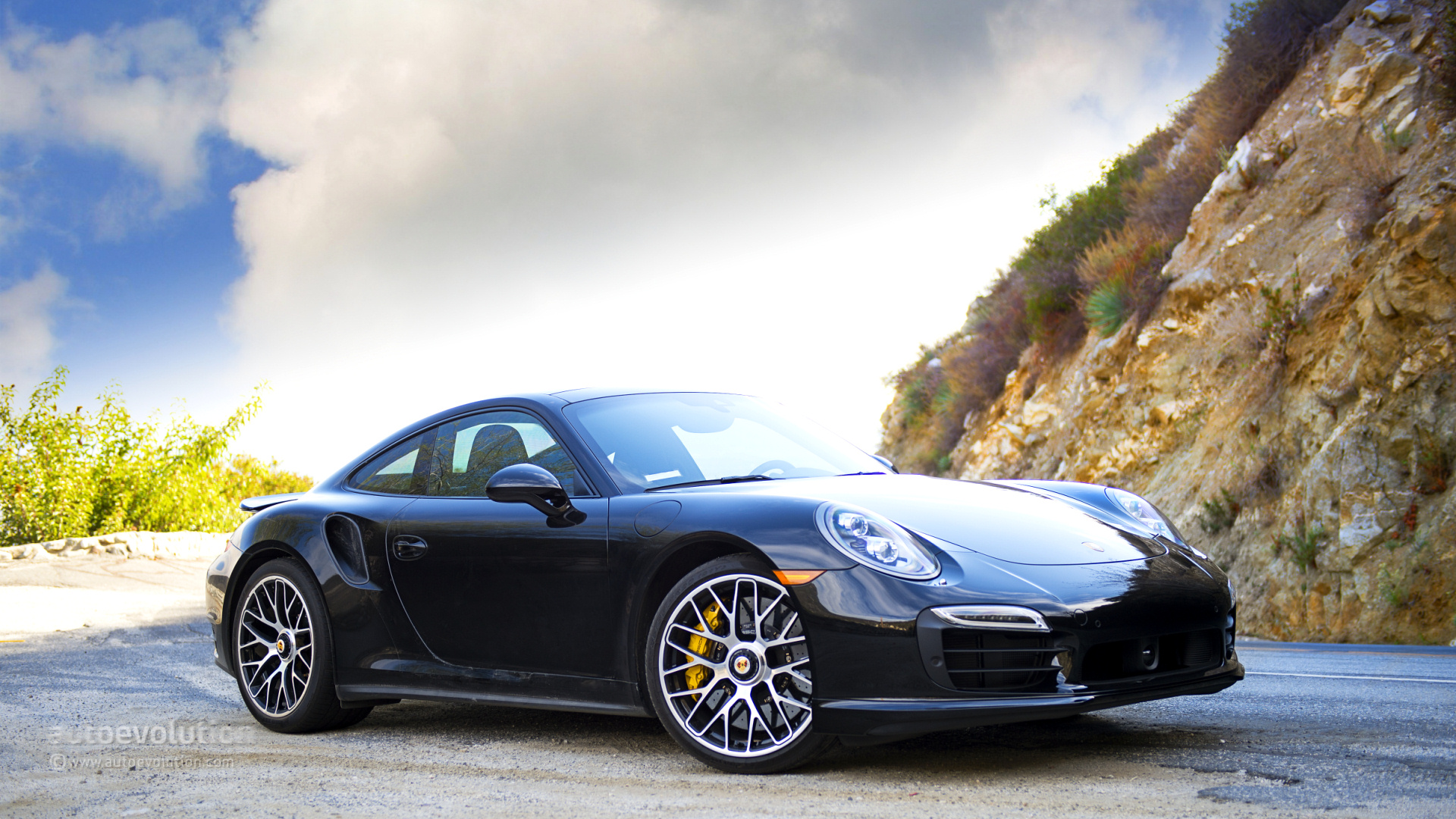 2014 porsche 911 turbo s review autoevolution - 911 Porsche Turbo 2015