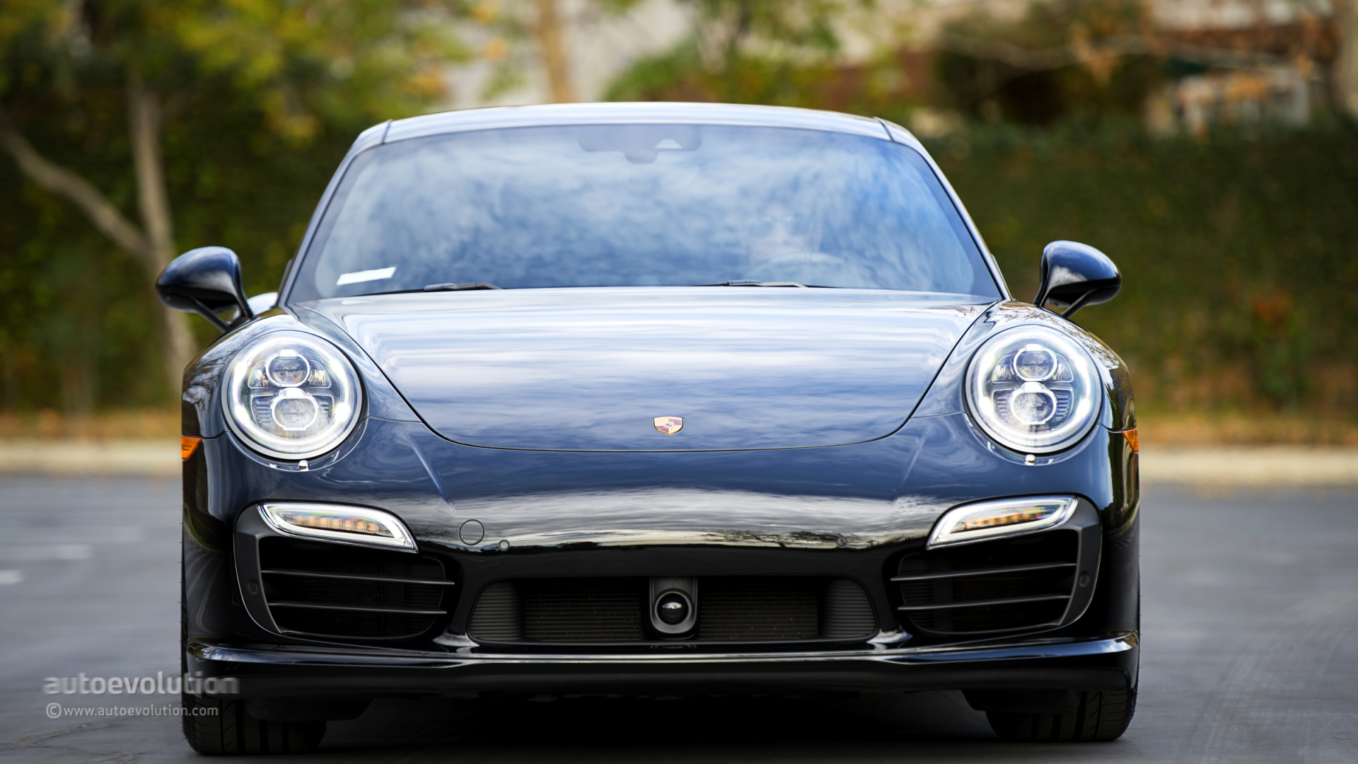 2014 PORSCHE 911 Turbo S Review - autoevolution