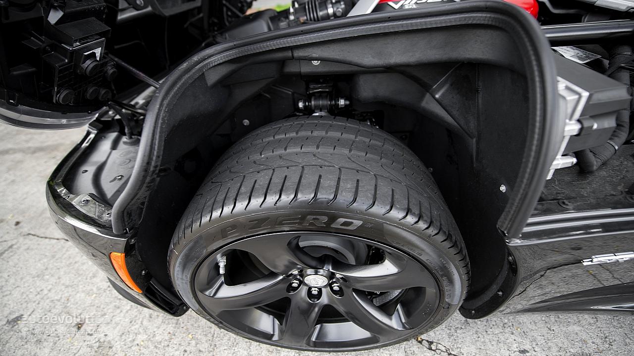 Anteviso 2013 srt viper roadster confirmado pgina 7 fotos exteriores do viper fandeluxe Choice Image