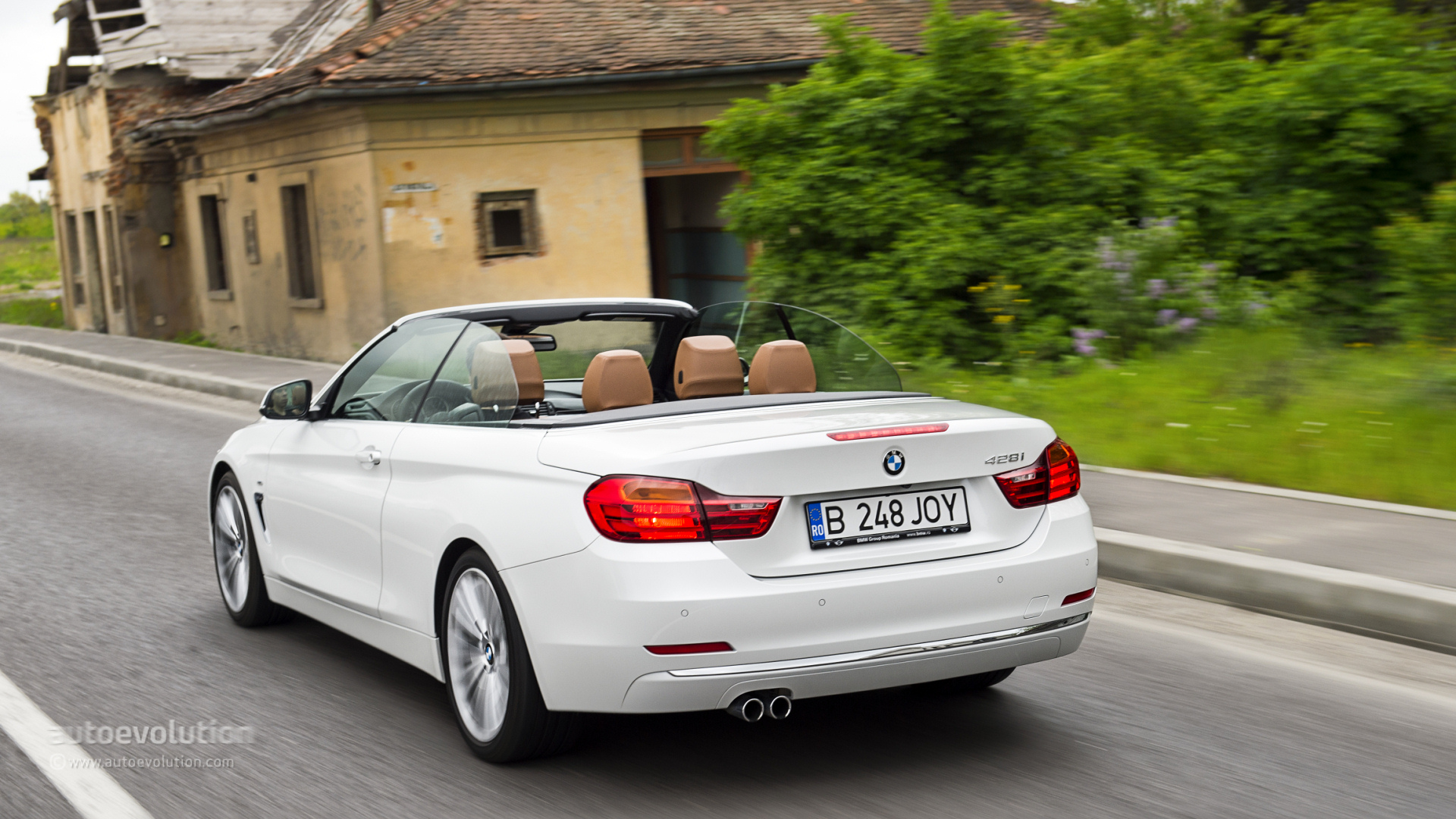 bmw 4 series convertible review page 2 autoevolution. Black Bedroom Furniture Sets. Home Design Ideas
