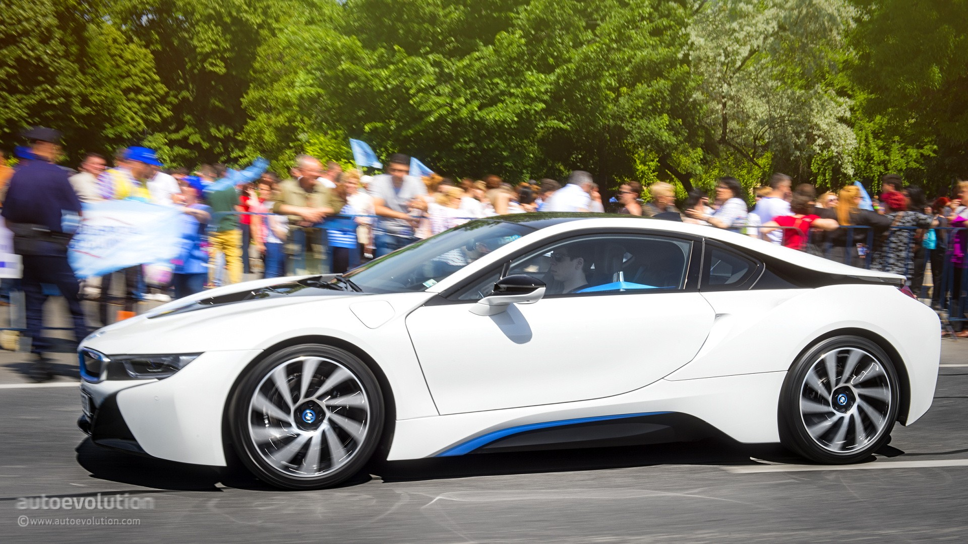 Bmw I8 Review Autoevolution