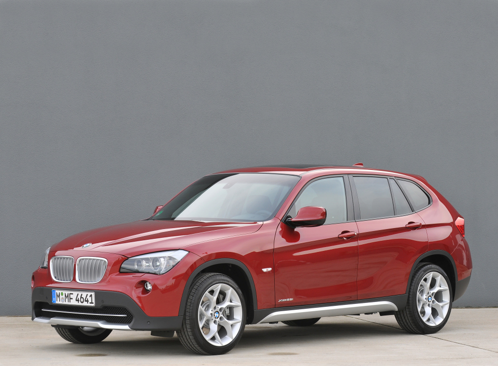 bmw x1 xdrive review. Black Bedroom Furniture Sets. Home Design Ideas