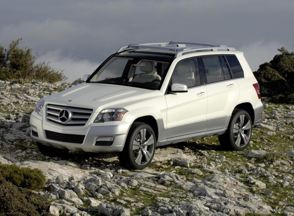 Brabus mercedes benz glk v8 6 1 review autoevolution for Mercedes benz glk reviews