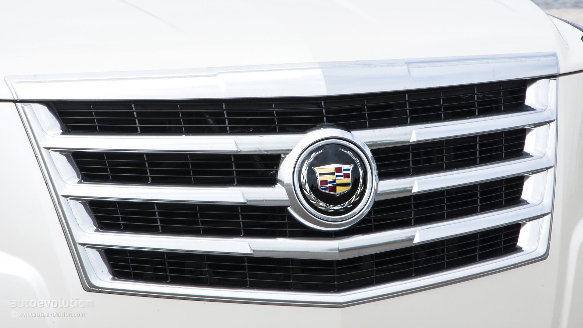 escalade news more magazine cockpit review cadillac show truck automobile