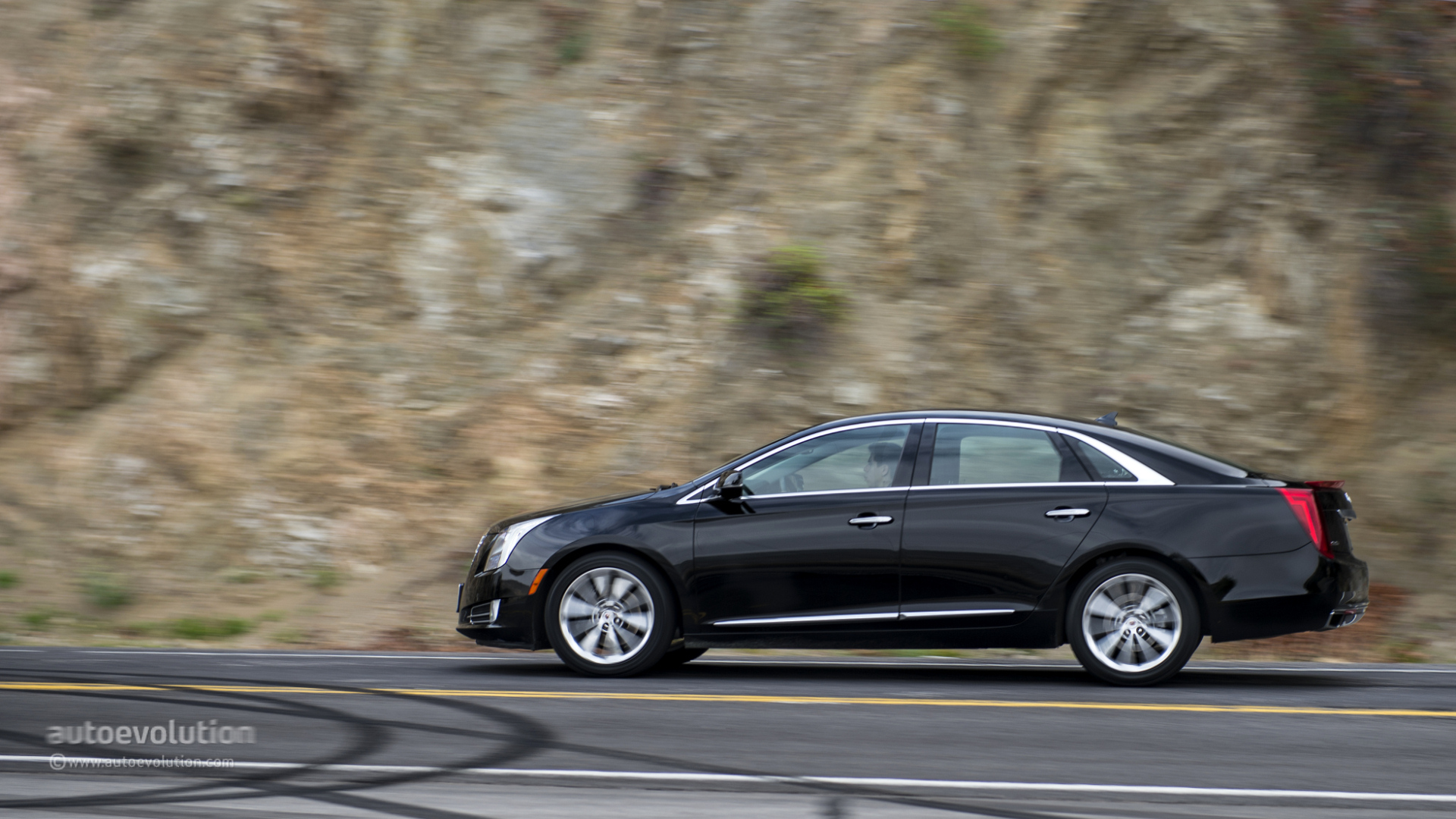 2014 cadillac xts review autoevolution