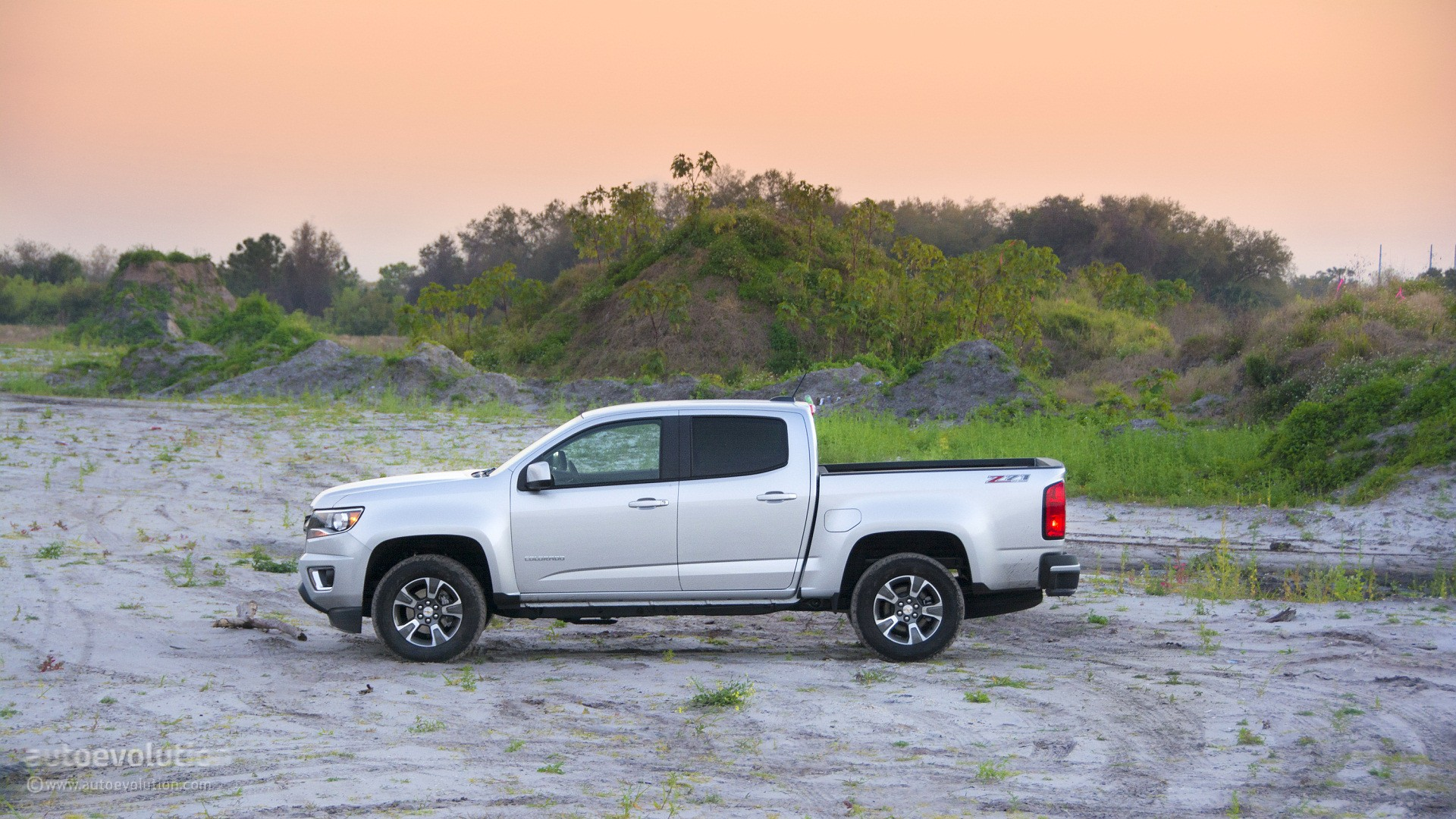 Awesome 2015 Chevrolet Colorado Review  Autoevolution