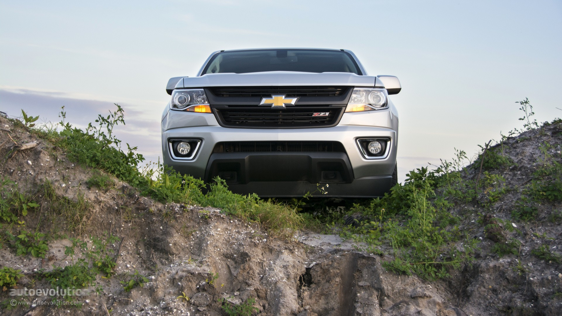 Creative 2015 Chevrolet Colorado Review  Autoevolution
