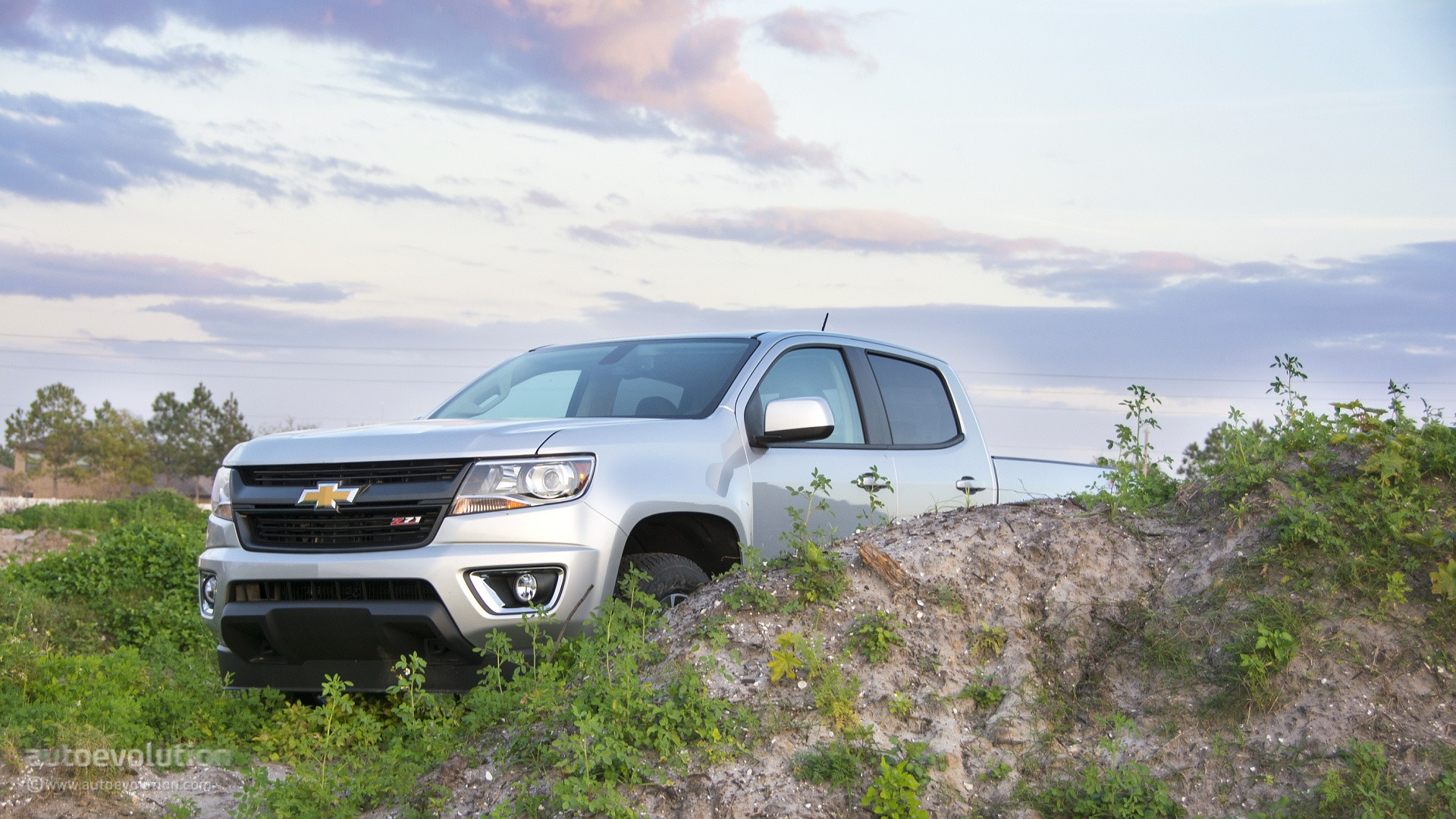 Luxury 2015 Chevrolet Colorado Review  Autoevolution