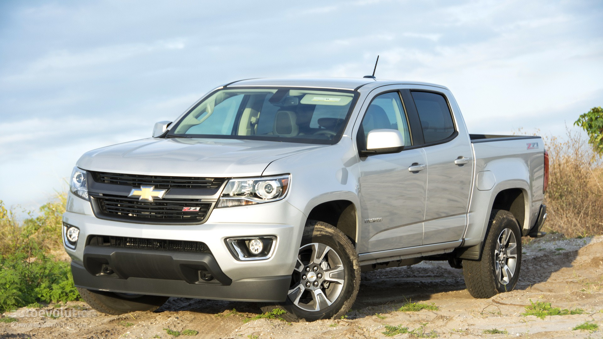 2015 chevrolet colorado review autoevolution. Black Bedroom Furniture Sets. Home Design Ideas